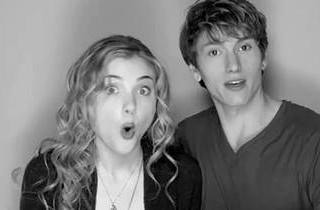 The Nine Lives of Chloe King Sneak Peek! Chloe and Alek Have Photo Booth Fun in the Season 1 Finale