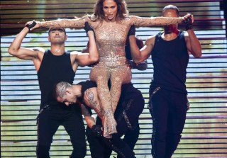 Jennifer Lopez to Perform With New Boyfriend Casper Smart at American Music Awards