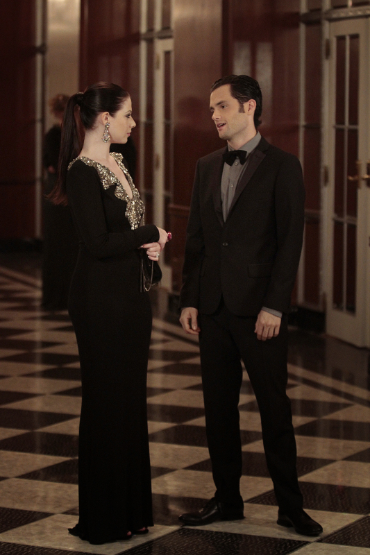 "Top 3 OMG Moments From Gossip Girl Season 6, Episode 5 ""Monstrous Ball"": Identity Crises and White Flags"