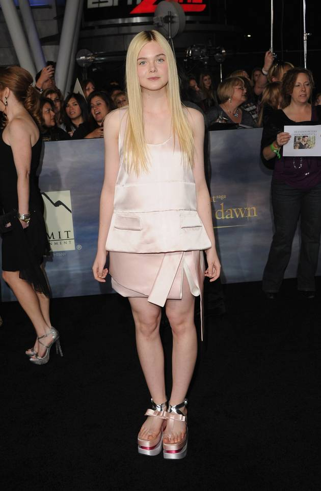 Elle Fanning Wears Edgy Platform Sandals to The Twilight Saga: Breaking Dawn – Part 2 Premiere: Hot or Not? (PHOTOS)
