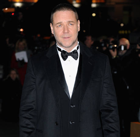 Russell Crowe Not Dating After Separation, Wants His Family Back Together