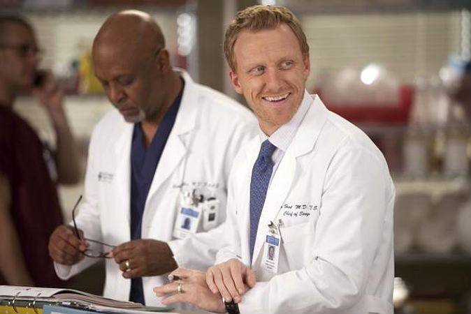 Caption This: Why Is Owen Laughing on Grey's Anatomy Season 8, Episode 20?