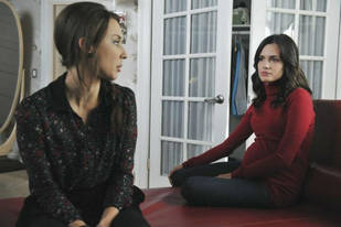 "Who Is on the ""A"" Team? Our Top 3 Suspects From Pretty Little Liars Season 3, Episode 2"